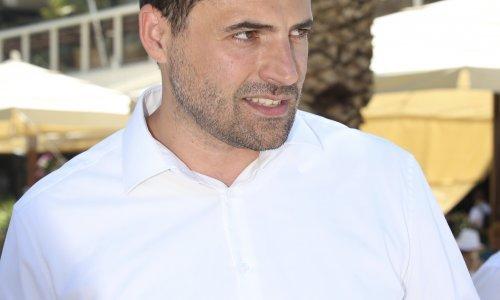 Bernardić: Nesazivanje izvanredne sjednice Sabora je kršenje Ustava