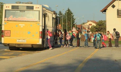 Vozači autobusa danas će stati na 10 minuta. Ne ispune li im se zahtjevi, najavljuju štrajk za prvi dan škole