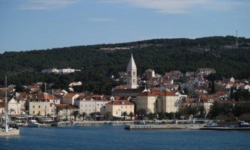 Referentica u Supetru s gradskog na privatni račun prebacila 80 tisuća kuna; gradonačelnica uznemirena