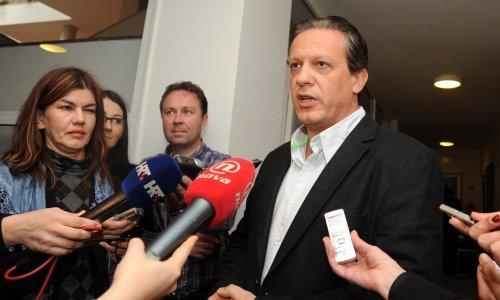 Kirurg Hrvoje Tomasović u zadnji čas predao 10 tisuća potpisa i ušao u utrku u HDZ-u