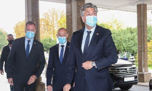 Plenković: Da sam sklon uvredama, rekao bih da je predsjednik 54-godišnji šmrkavac. Ali ja to neću reći