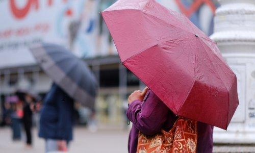 Na Jadranu sunce, na istoku zemlje moguća kiša, a podno Velebita jaka bura