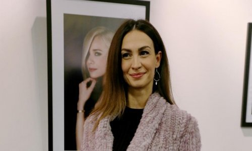Rijetko u javnosti: Monika Kravić je magnet za poglede