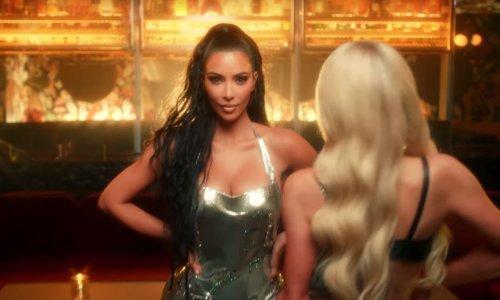 Davno joj je bila osobna asistentica, a sada vraća uslugu; Kim Kardashian kao prateća plesačica u novom spotu Paris Hilton