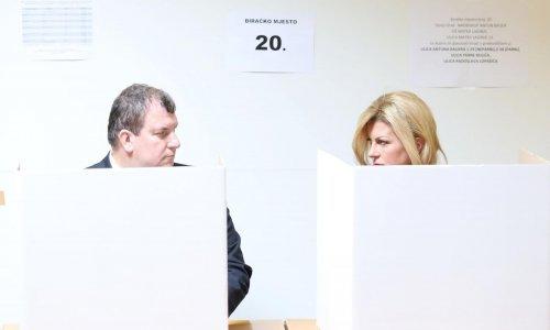 Grabar Kitarović: Glasovanje iza kartonskih paravana je kao da smo u 19. stoljeću