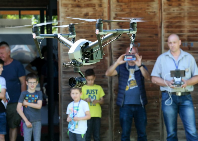 Commander drone camera meaning et avis drone avis