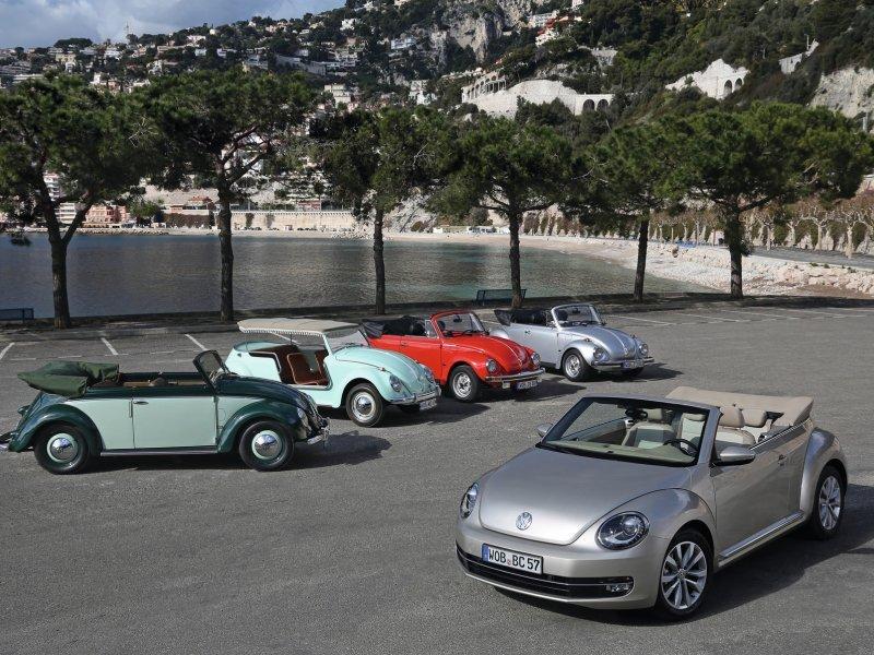 Volkswagen Beetle Cabriolet (slijeva nadesno:  VW Käfer Cabriolet (1952), VW Karmann 'Jolly' (1960), VW Käfer Cabriolet (1980), VW Käfer 1303 Cabrio (1979))