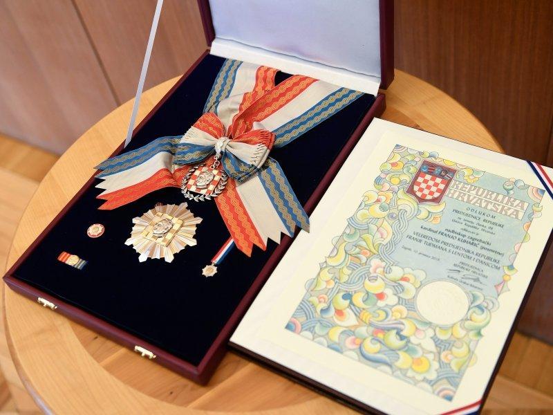 Kolinda Grabar Kitarović posthumno odlikovala Franju Kuharića