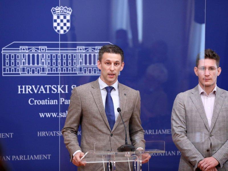 Most: Vlada izmjenama pravila za referendum priznaje da je ukrala referendume