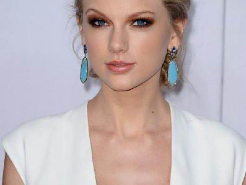 Taylor Napisala Pet Pjesama O Harryju Tportal