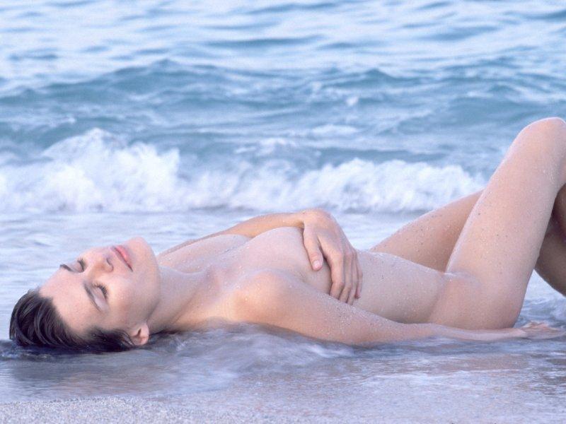 (28 fotografija) plaži na nudističkoj djevojke Mirjana Karanović