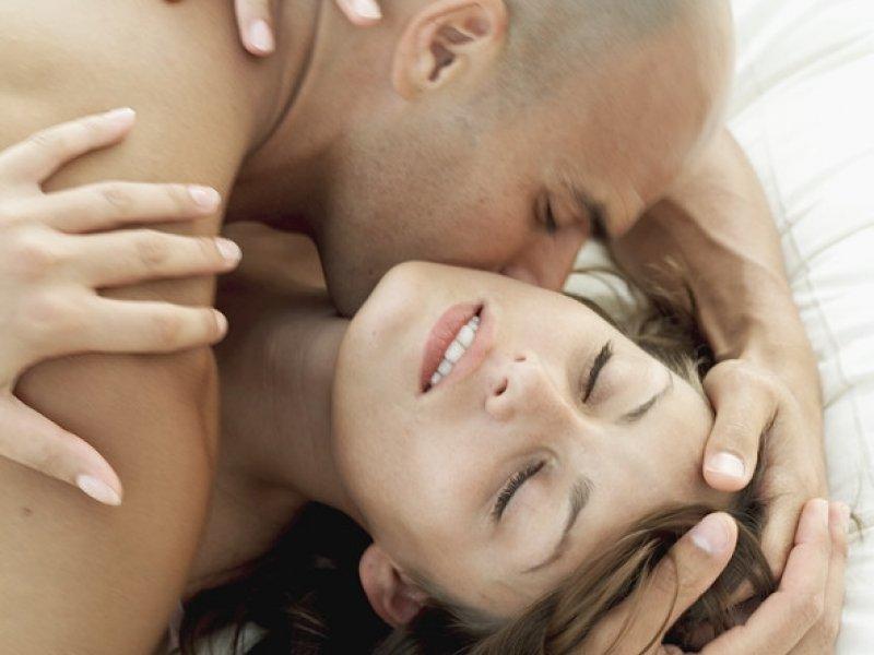 zhenshini-seks-orgazm-vblizi-nakazivayut