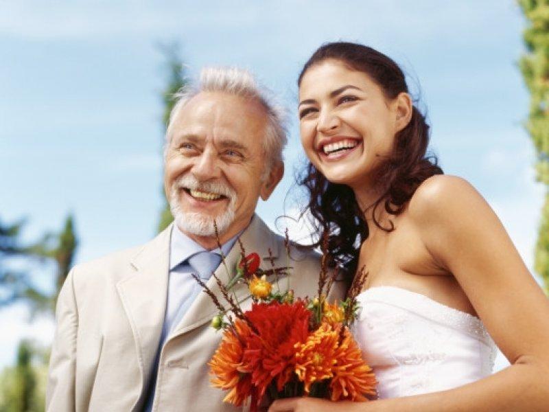 Auguri Matrimonio Da Ridere : Muškarci svih dobi radije biraju mlađe žene tportal