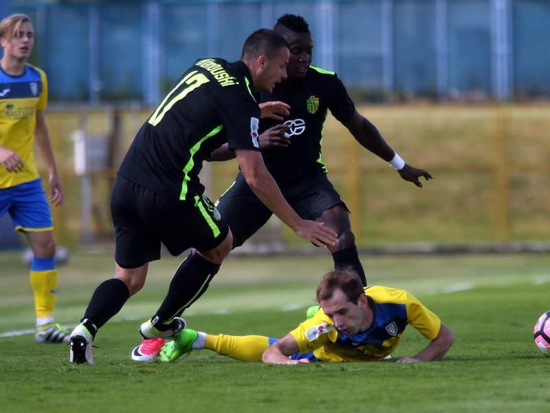 Tome (#17) in action for Istra; photo: Robert Anic/PIXSELL