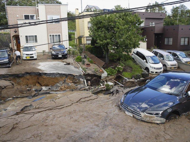 ''  DRAMA POTRES U KALIFORNIJI Podrhtavanje magnitude 6.4 osjetilo se od Los Angelesa do San Francisca '' 836680
