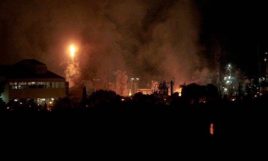 (VIDEO) VATRENA KUGLA! Jedan mrtav i šest ozlijeđenih u eksploziji u hemijskoj tvornici u Španjolskoj