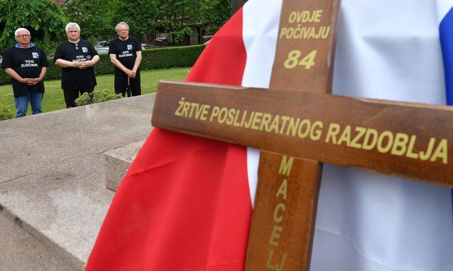 FOTO/VIDEO] U Maclju pokopani ostaci 84 žrtve križnoga puta - tportal