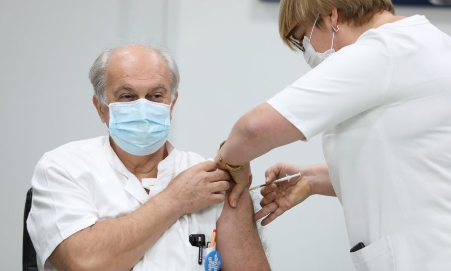 Ivo Ivić na cijepljenju
