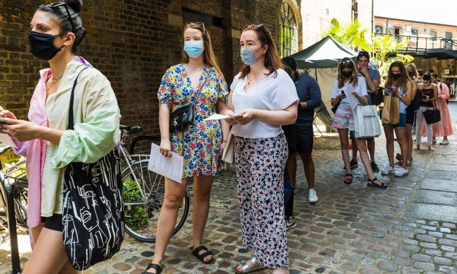 Red za cijepljenje u londonskom Camdenu