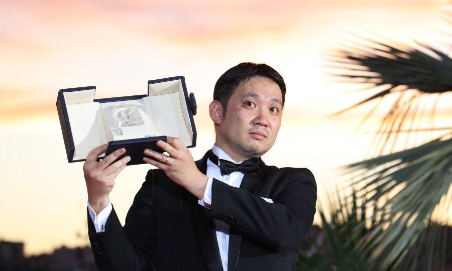 Ryusuke Hamaguchi u Cannesu je osvojio nagradu za najbolji scenarij za film Drive My Car