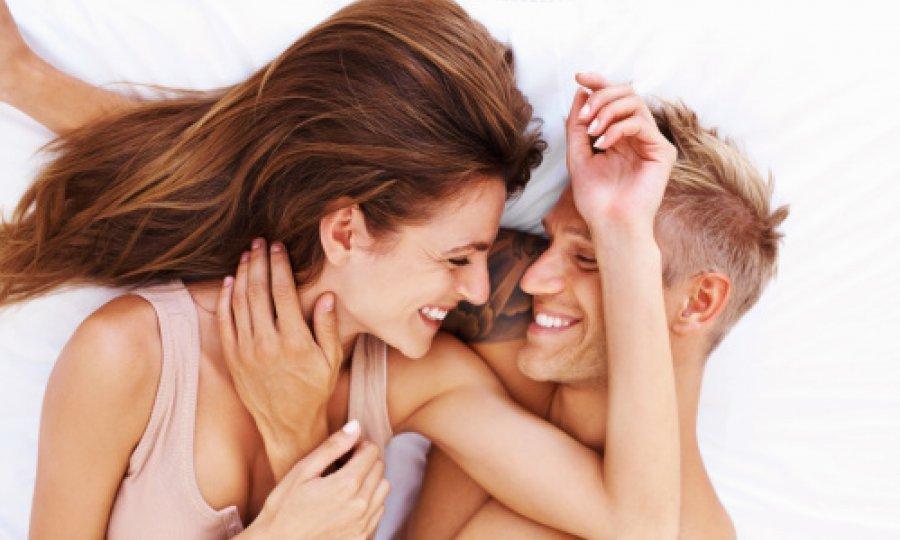 Ebanovina lezbijski porno seks