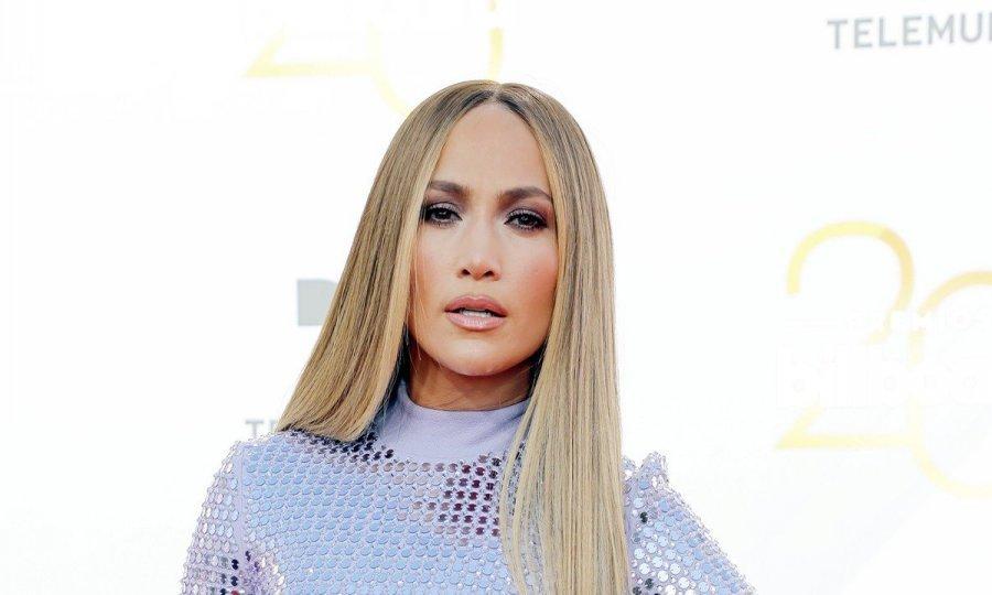 Jennifer Lopez Vratila Se Ekstenzijama Tportal