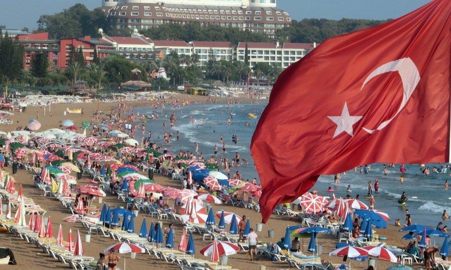 Turska mediteranska rivijera, plaža u Incekumu u Alanyi