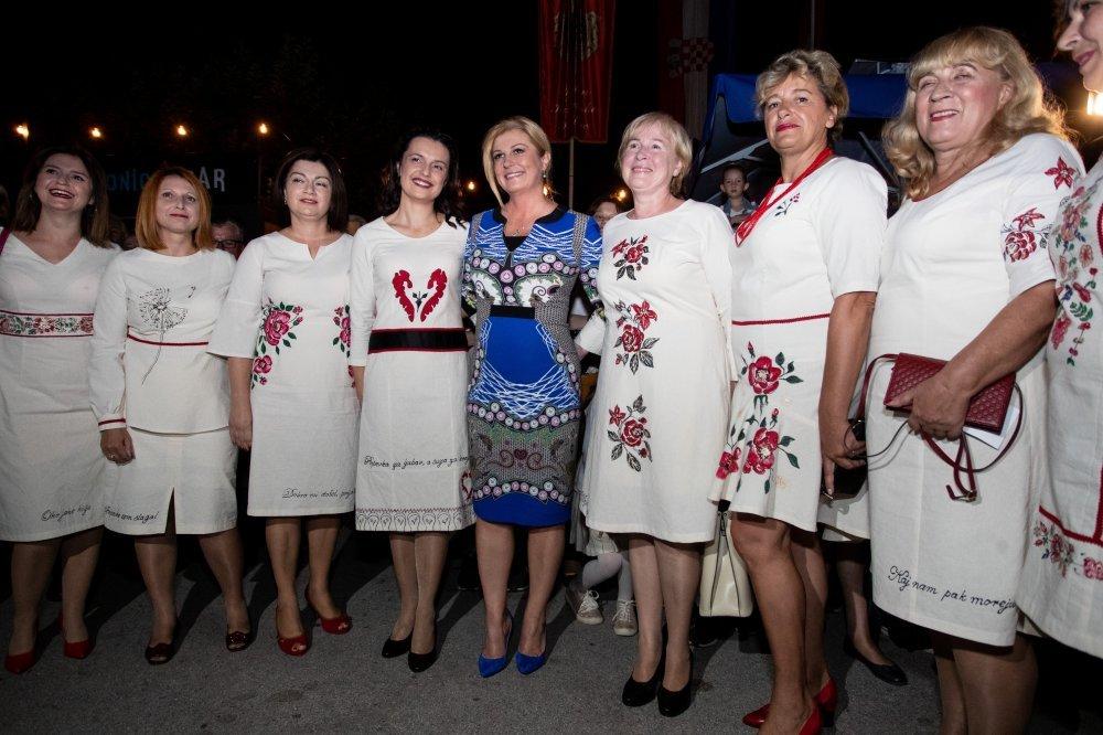 Kolinda Grabar Kitarović u Krapini na Festivalu kajkavske popevke