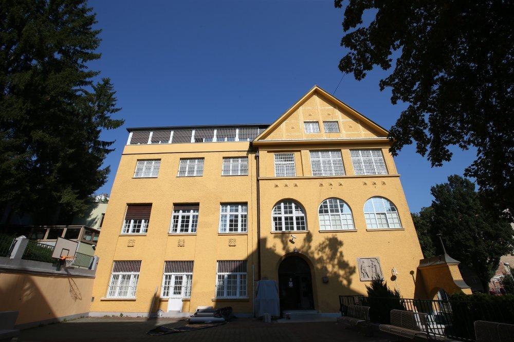 Psihijatrijska Bolnica Za Djecu I Mladez U Kukuljevicevoj Zarazen