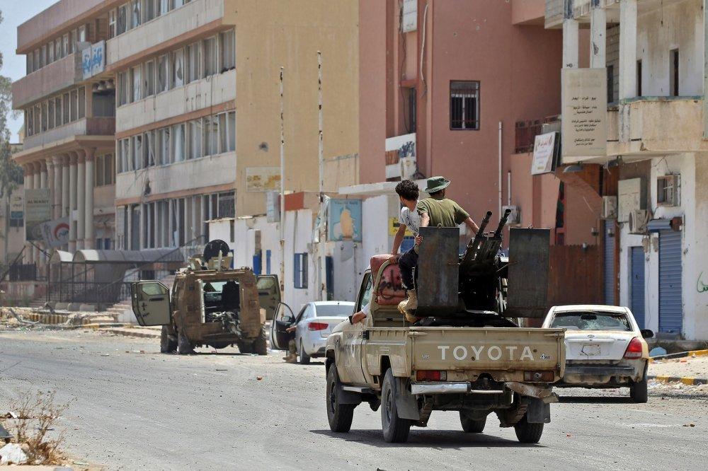 LIBIJSKI PARLAMENT SA SJEDIŠTEM NA ISTOKU ZEMLJE: Pozvali vojsku Egipta da intervenira u Libiji!
