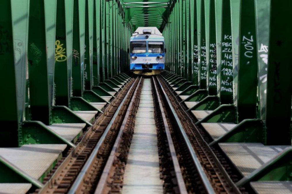 Ukida Se Brzi Vlak Osijek Zagreb Tportal