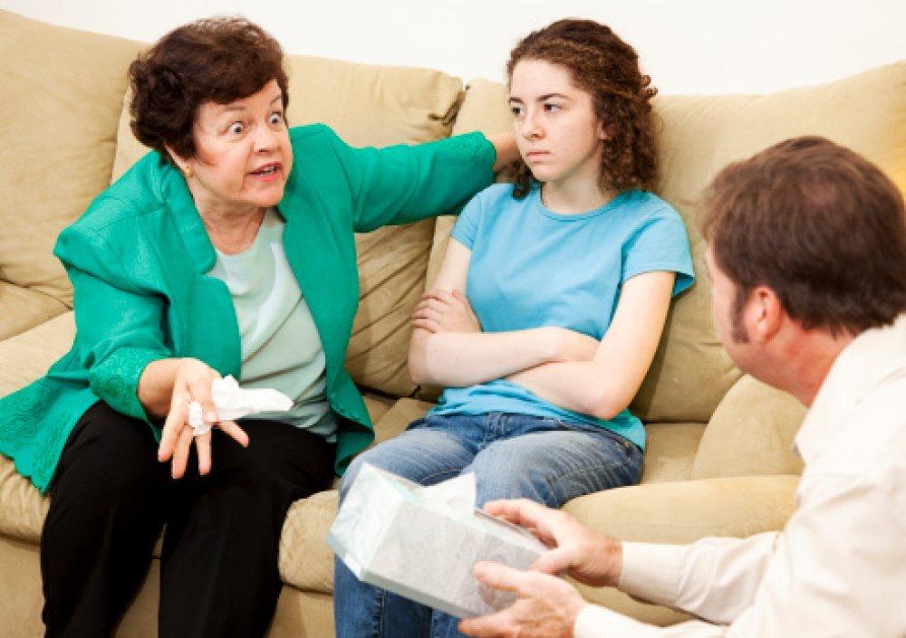 kako razgovarati sa svojim strogim roditeljima o izlasku