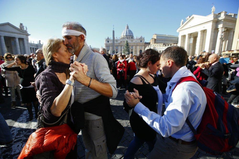 sretan rođendan na španjolskom Na papin rođendan Vatikan trese 'tango groznica'   tportal sretan rođendan na španjolskom