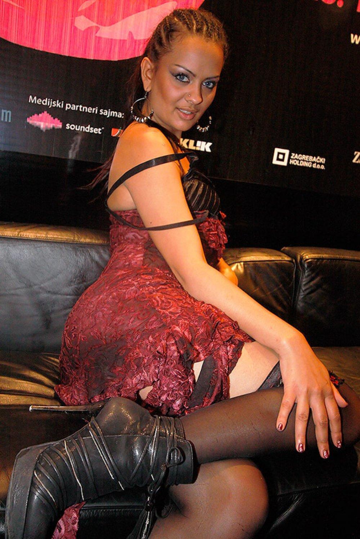 industrija pornobesplatno masno azijsko porniće