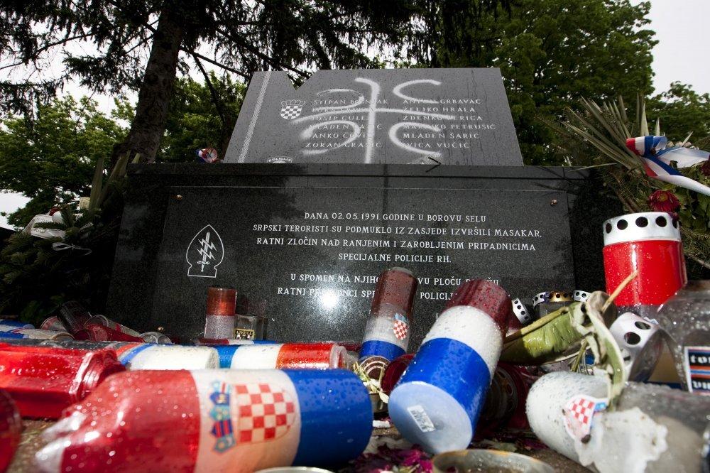 Image result for borovo selo devastiran spomenik
