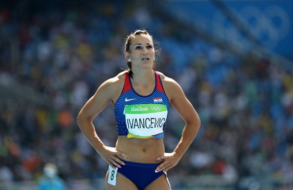 Andrea Ivančević (6)
