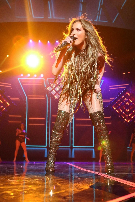 Jennifer Lopez Savršenom Figurom Izaziva Zavist Tportal