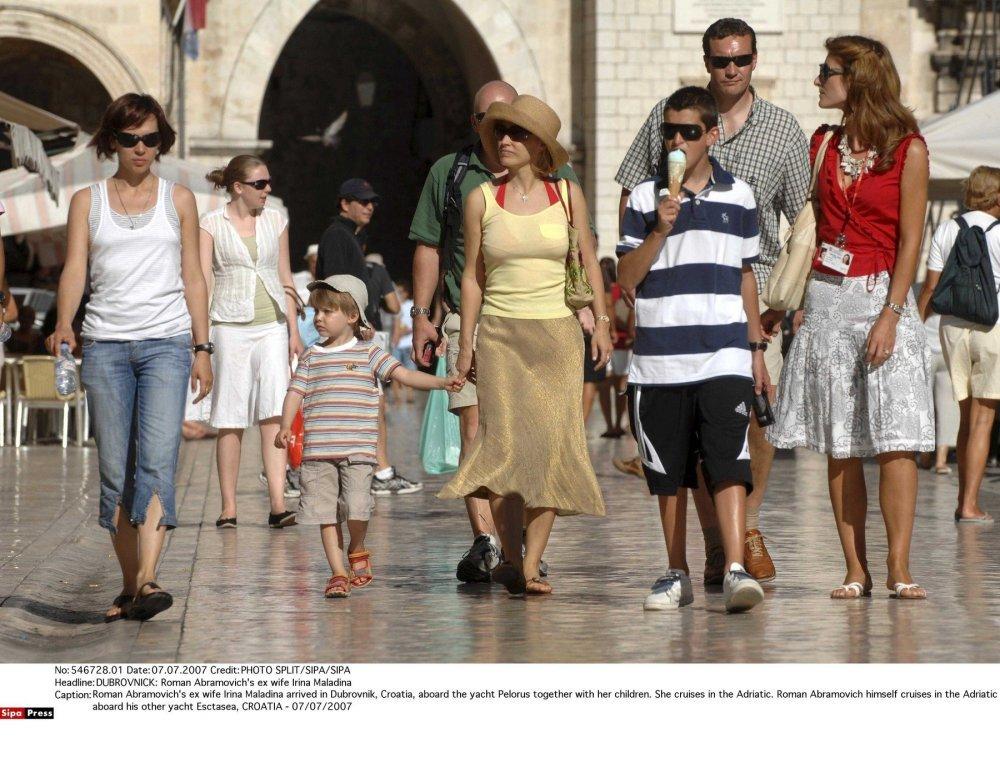 Irina Abramovič sa djecom u Dubrovniku
