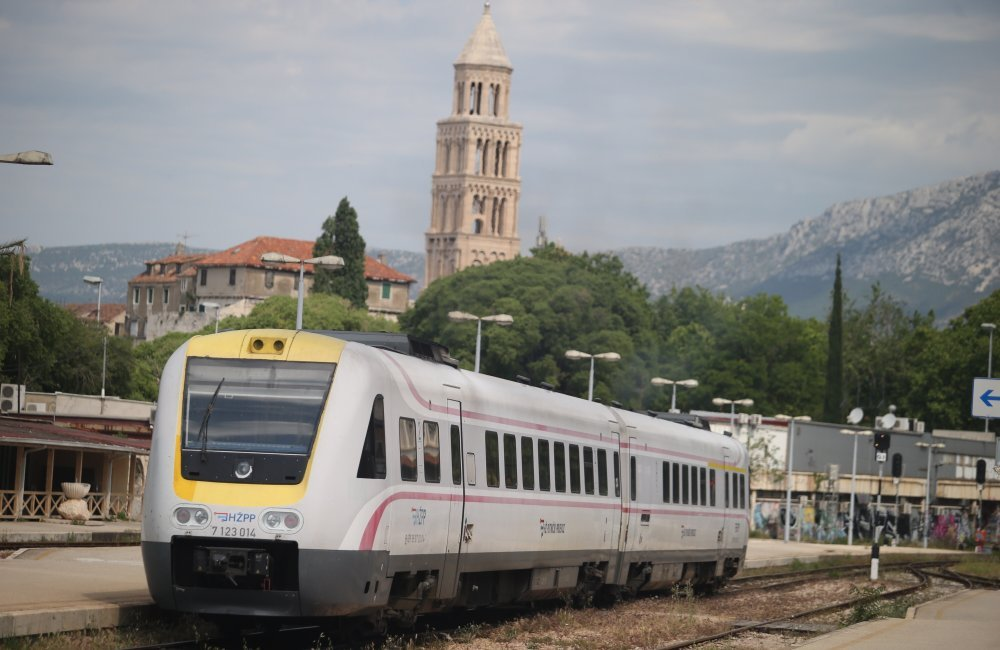Svi Studenti Iz Splitske Zupanije Dobili Besplatan Prijevoz Vlakom Tportal