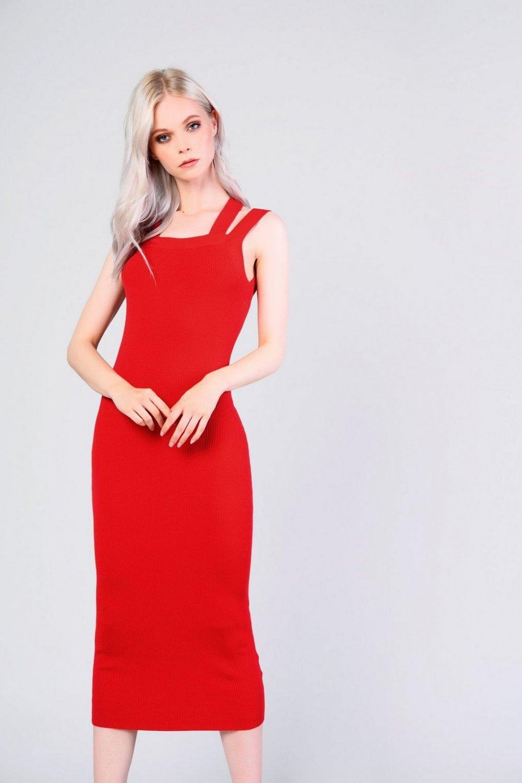 Danas se nose crvene haljine, a mi smo pronašli najljepše