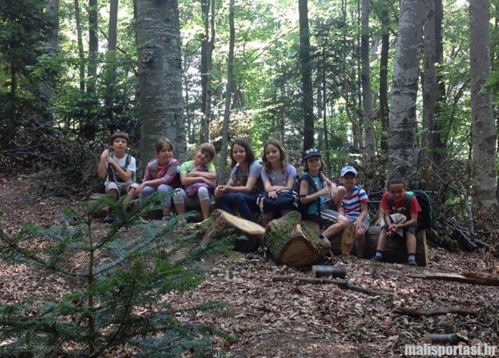 Mjesto za upoznavanje u ljetnom kampu