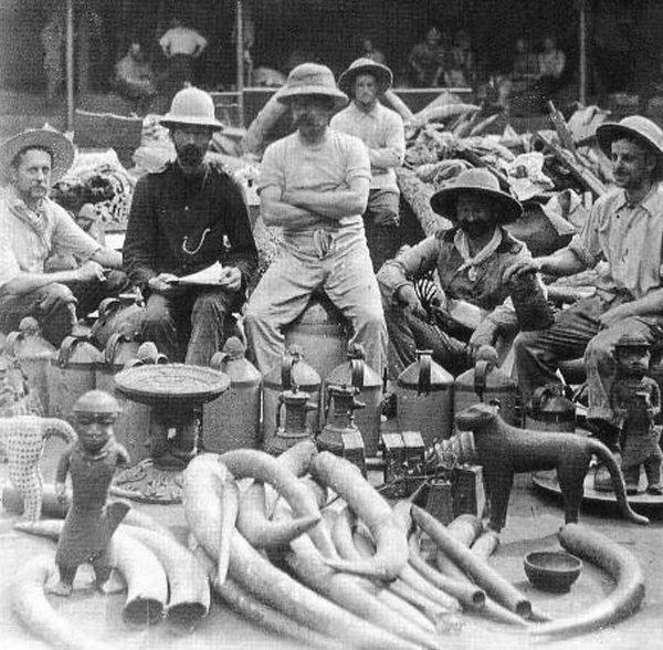 Nigerija: Britanski vojnici s ukradenim blagom u Beninu 1897.