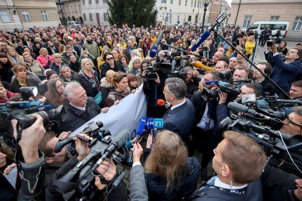 Premijer Andrej Plenkovića ispred prosvjednika na Markovu trgu
