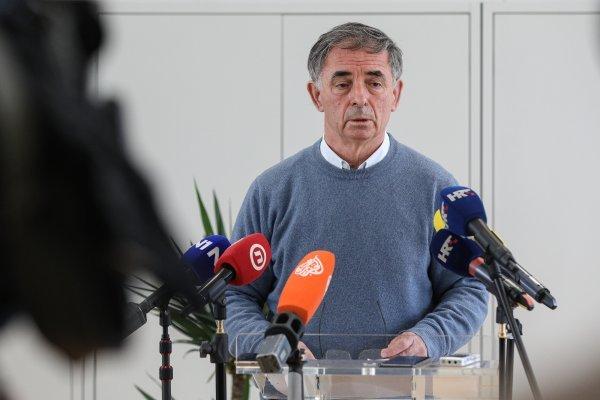 Saborski zastupnik Milorad Pupovac, kojega je šef države opisao 'prljavim', na susretu s novinarima pojavio se u svom dosad najkrhkijem izdanju