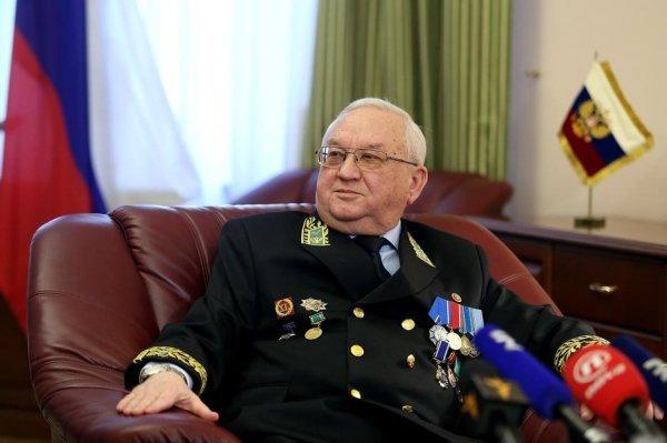 Ruski veleposlanik Azimov