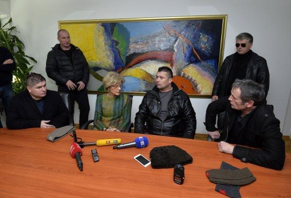 Mirjana Rakić razrješenje je zatražila nakon što su joj u ured stigli prosvjednici, kojima je smetalo privremeno oduzimanje koncesije Z1 televiziji