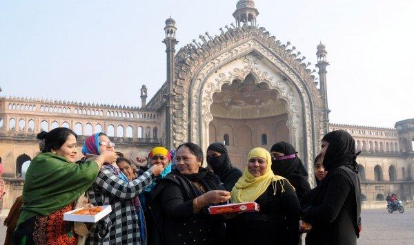 Žene u Indiji slave proglašavanje triple talaqa neustavnim