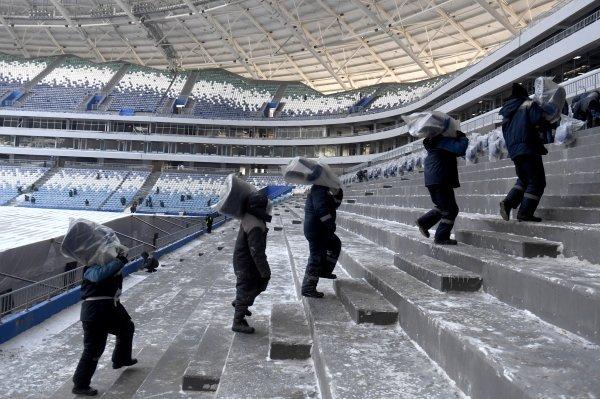 Na ruskim stadionima radilo se od jutra do mraka, s neadekvatnom zaštitnom opremom, ponekad na ekstremnoj hladnoći