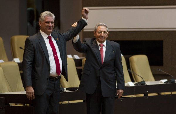Miguel Diaz-Canel preuzeo je vođenje Kube od Raula Castra