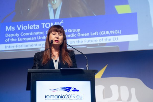 Violeta Tomič
